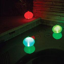 Globe flottant lumineux pour piscine prix cass for Chauffage piscine flottant
