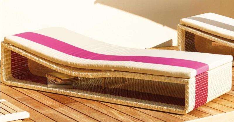 Lit de repos Summertime Bed blanc et fushia